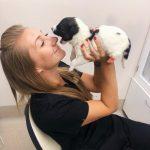 Ветеринар и щенок